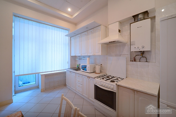 Two bedroom classical style apartment in the historic house in the center of Kiev, Due Camere (72106), 010