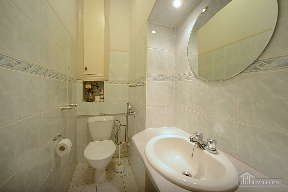 Two bedroom classical style apartment in the historic house in the center of Kiev, Due Camere (72106), 013