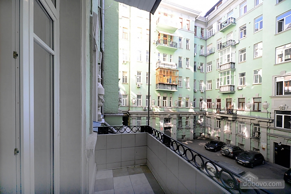 Two bedroom classical style apartment in the historic house in the center of Kiev, Dreizimmerwohnung (72106), 014