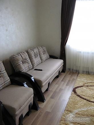Квартира возле бювета, 2х-комнатная (59787), 003