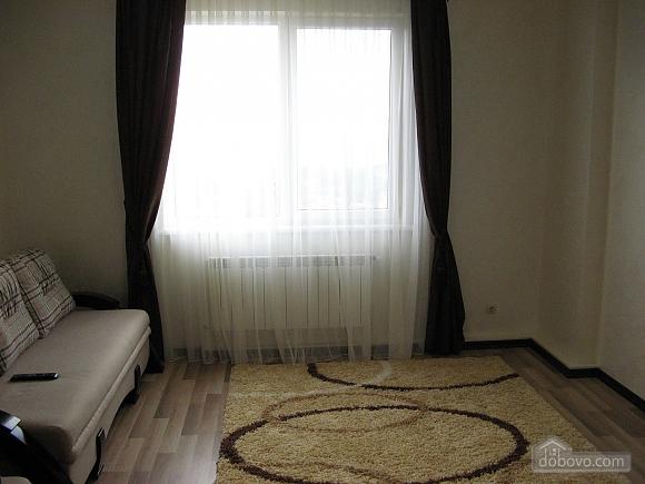 Квартира возле бювета, 2х-комнатная (59787), 004