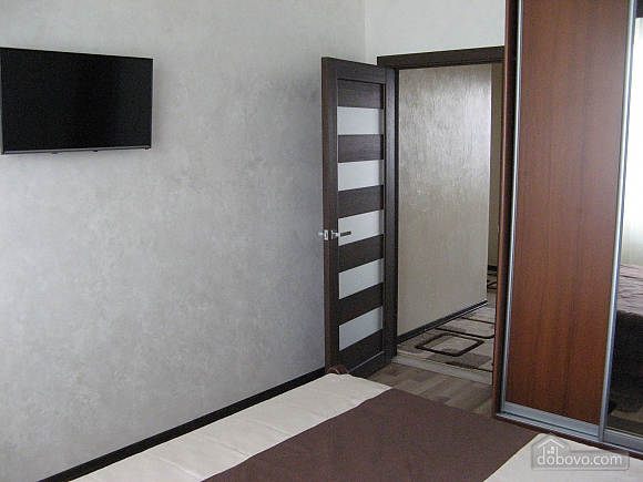Apartment next to the well room, Un chambre (59787), 011