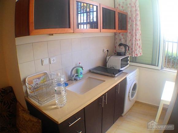 Квартира возле моря, 2х-комнатная (60980), 002