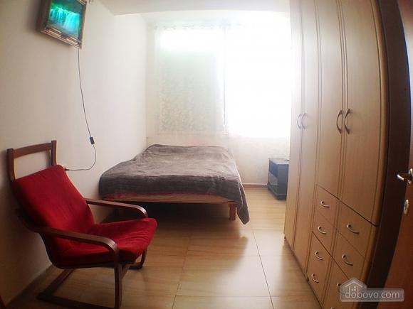 Квартира возле моря, 2х-комнатная (60980), 001
