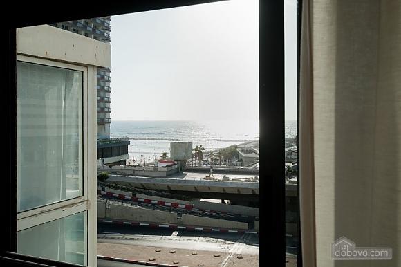 Квартира у моря, 3х-комнатная (39017), 010