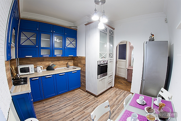 Стильна квартира з ізольованими кімнатами, 3-кімнатна (22691), 010