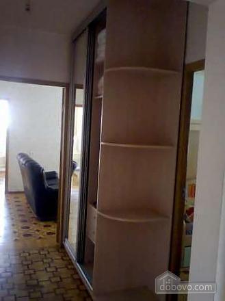 Квартира в районі ТРЦ Україна, 3-кімнатна (93960), 002