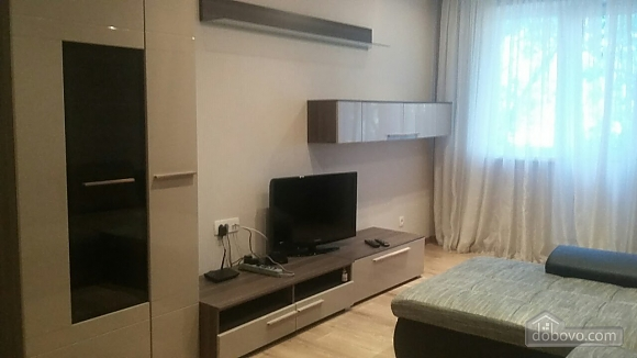 Затишна квартира, 2-кімнатна (36107), 002