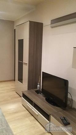 Затишна квартира, 2-кімнатна (36107), 001