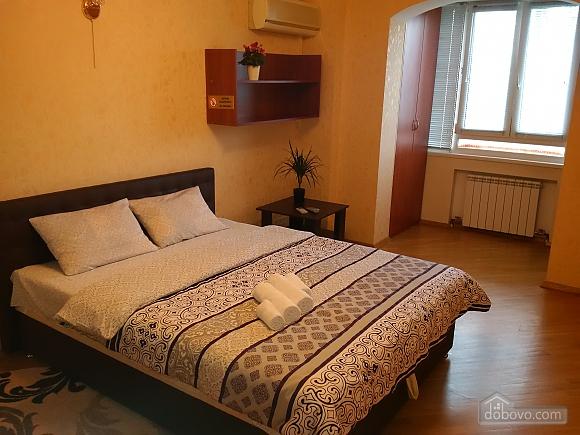Апартаменты возле метро Левобережная, 2х-комнатная (49621), 002