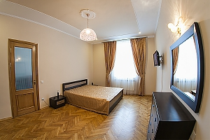 VIP-apartments in 7 minutes from Rynok square, One Bedroom, 001