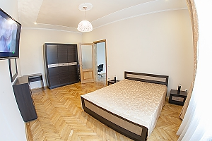 VIP-apartments in 7 minutes from Rynok square, One Bedroom, 003