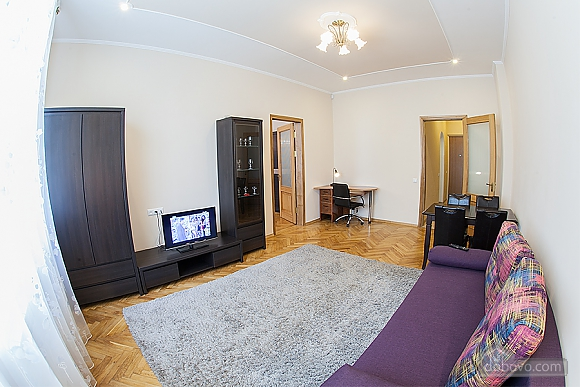 VIP-apartments in 7 minutes from Rynok square, One Bedroom (30511), 005
