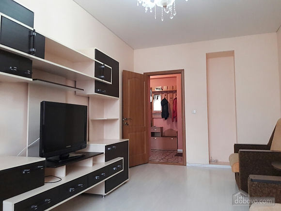 Apartment in Odessa, One Bedroom (80294), 002