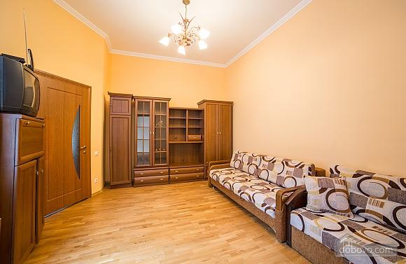 Апартаменты во Львове, 2х-комнатная (31553), 002