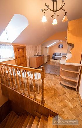 Простора квартира в центрі, 3-кімнатна (59997), 005