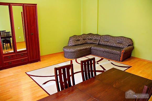 Затишна квартира, 2-кімнатна (96739), 002