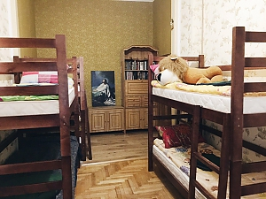City Center hostel - a bed in a 6-person room, Studio, 002
