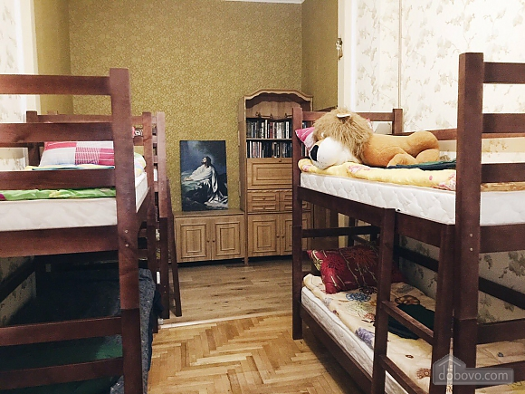 City Center hostel - a bed in a 6-person room, Monolocale (73167), 002