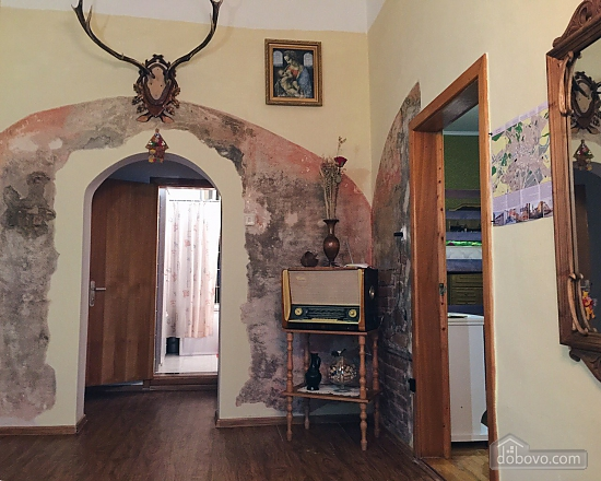 City Center hostel - a bed in a double room, Due Camere (54671), 002