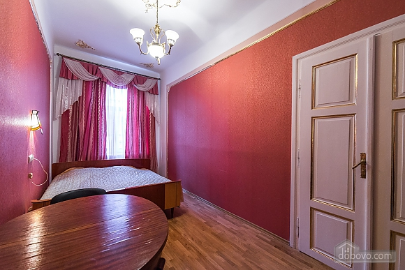 Apartment in classical style in the center of the city, One Bedroom (89127), 001