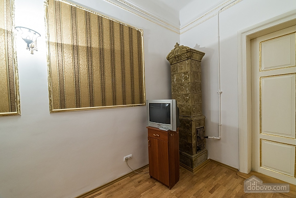 Apartment in classical style in the center of the city, One Bedroom (89127), 006