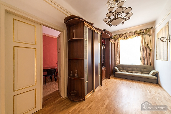 Apartment in classical style in the center of the city, One Bedroom (89127), 008