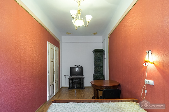 Apartment in classical style in the center of the city, One Bedroom (89127), 010