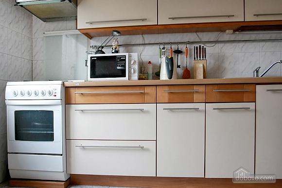 Уютная квартира на Подоле, 2х-комнатная (88930), 002