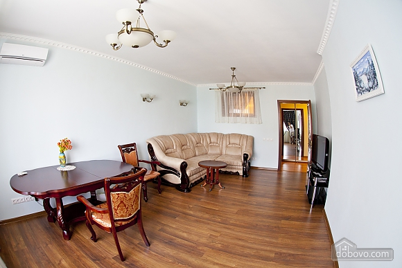 Cosy apartment with view on Dnipro river and Holosiivskyi wood, Two Bedroom (10251), 007