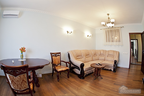 Cosy apartment with view on Dnipro river and Holosiivskyi wood, Two Bedroom (10251), 008