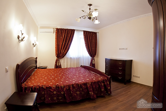 Cosy apartment with view on Dnipro river and Holosiivskyi wood, Two Bedroom (10251), 002