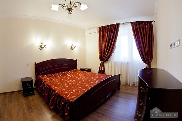 Cosy apartment with view on Dnipro river and Holosiivskyi wood, Two Bedroom (10251), 001