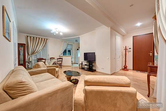 Stylish and comfortable apartment on Khreschatyk, Two Bedroom (34327), 001