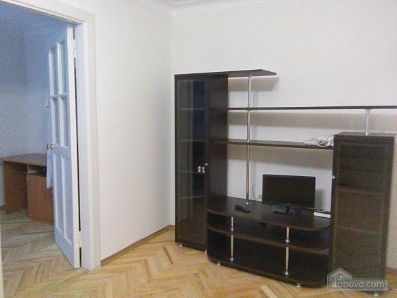 Светлая квартира в тихом месте, 2х-комнатная (55588), 003