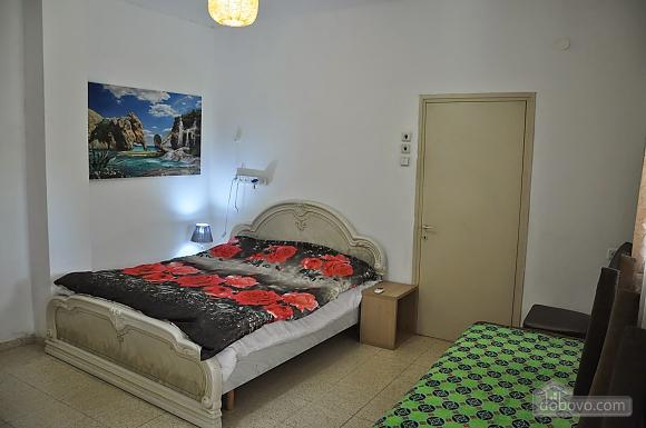 Квартира біля медичного центру Ассута, 3-кімнатна (81332), 001