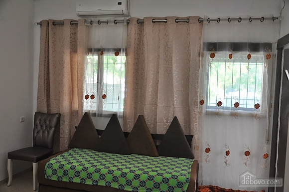 Квартира біля медичного центру Ассута, 3-кімнатна (81332), 005