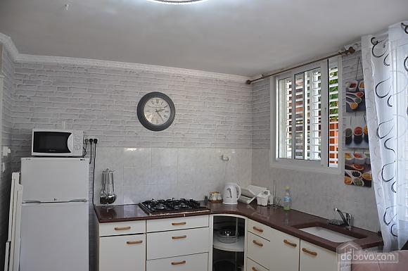 Уютная квартира в Тель-Авиве возле Ассуты, 2х-комнатная (22018), 003