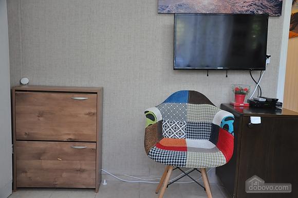 Уютная квартира в Тель-Авиве возле Ассуты, 2х-комнатная (22018), 002