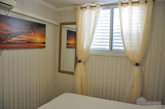 Уютная квартира в Тель-Авиве возле Ассуты, 2х-комнатная (22018), 018