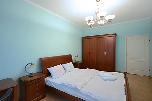 Cozy spacious and comfortable apartment in the center of Kiev, One Bedroom, 002