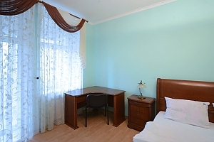 Cozy spacious and comfortable apartment in the center of Kiev, One Bedroom, 004