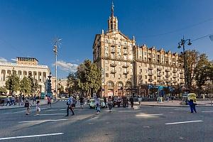 Современная просторная студия с балконом и видом на Майдан, 1-комнатная, 003