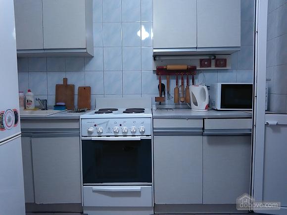 Уютная квартира рядом с лесом, 2х-комнатная (53866), 007