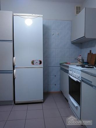 Уютная квартира рядом с лесом, 2х-комнатная (53866), 008