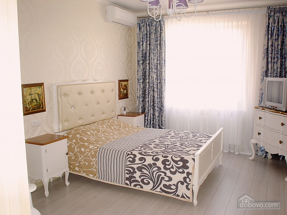 Beautiful apartment in residential complex Raiduzhnyi, Monolocale (65704), 002