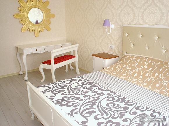 Красивая квартира в жилом комплексе Радужный, 1-комнатная (65704), 003