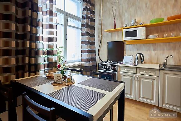 Уютная квартира возле Майдана, 2х-комнатная (56824), 003