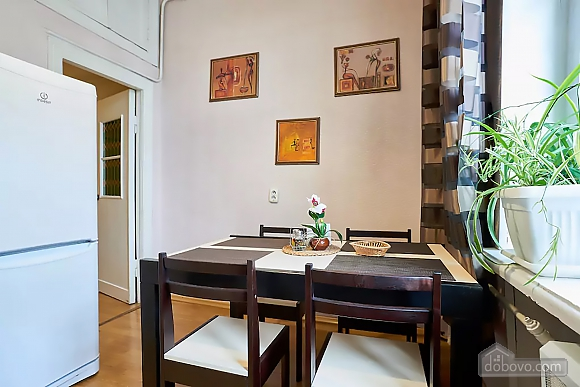 Уютная квартира возле Майдана, 2х-комнатная (56824), 005