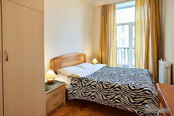 Уютная квартира возле Майдана, 2х-комнатная (56824), 008